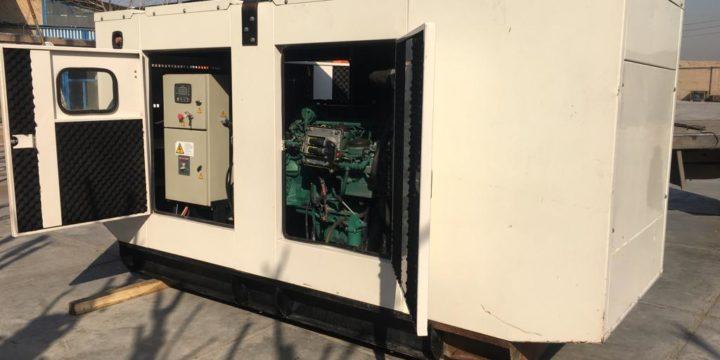 دیزل ژنراتور دست دوم ولوو پنتا مدل TAD734GE با ژنراتور استامفورد ۲۵۰ کاوا و کانوپی سایلنسر صدا گیر